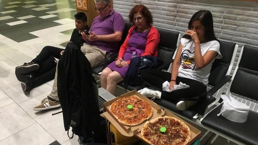Más de 800 pasajeros en Canarias, afectados por el bloqueo de El Prat