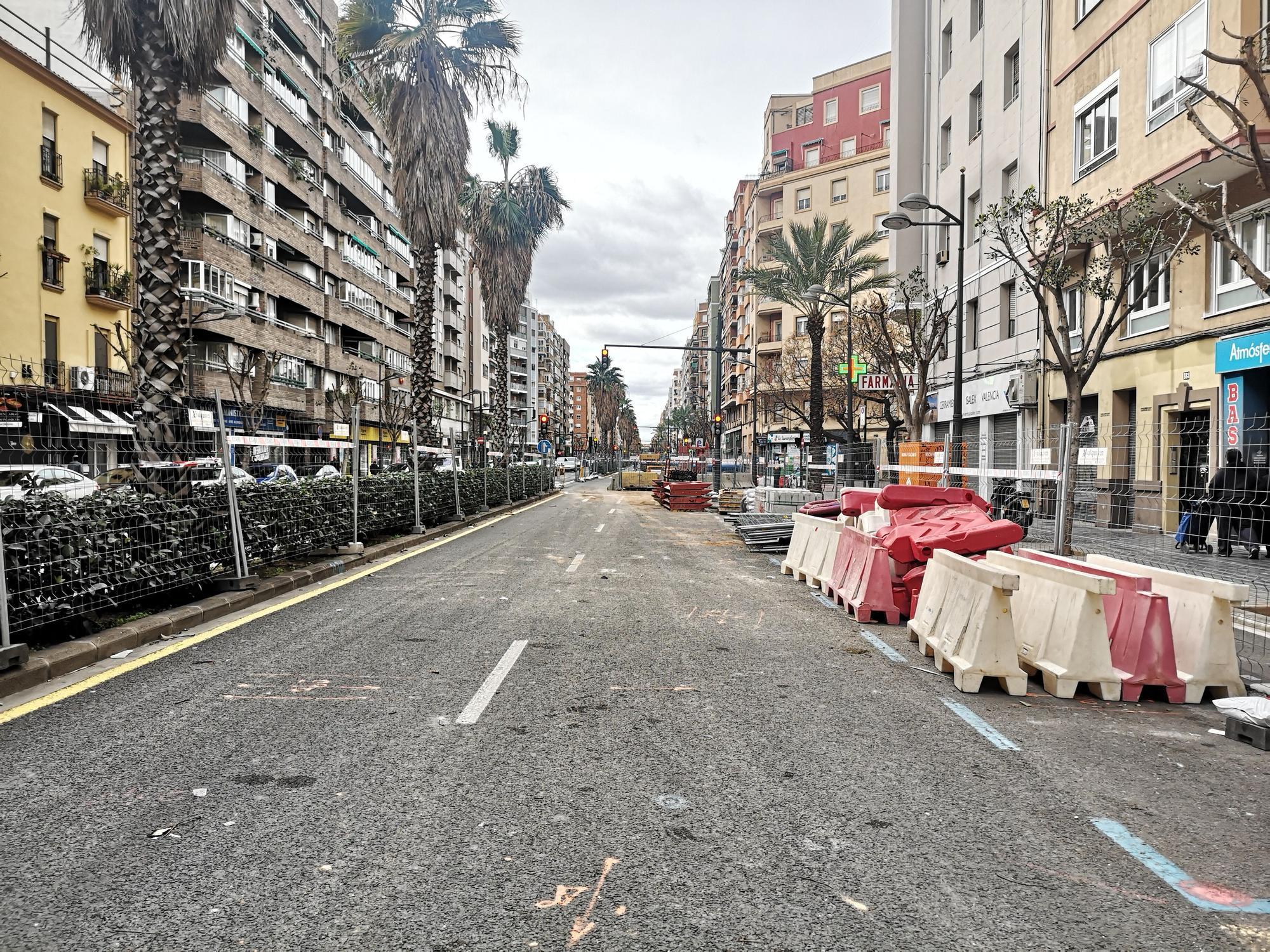 """Las """"tripas"""" de la avenida Peris y Valero, al descubierto"""