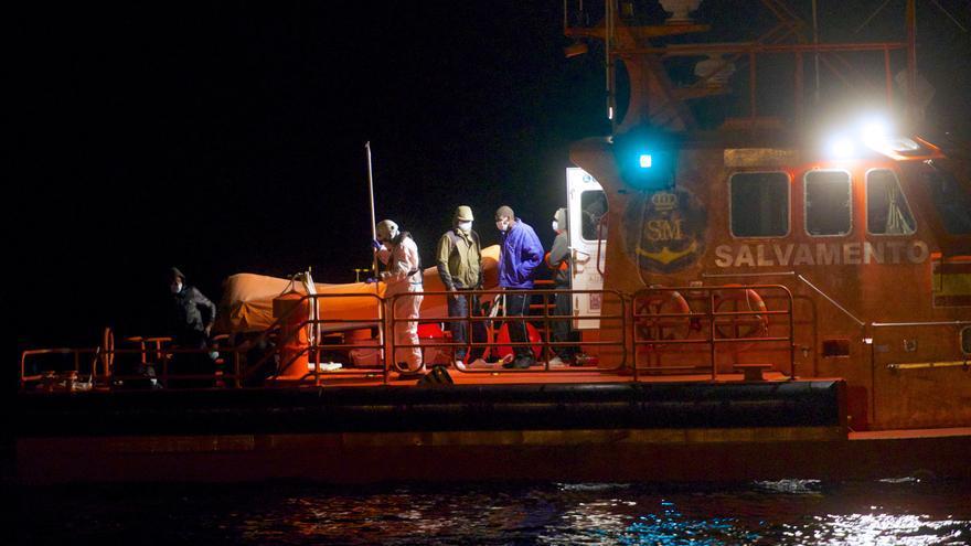 Rescatan a 189 inmigrantes a bordo de siete pateras en aguas de Gran Canaria durante la noche