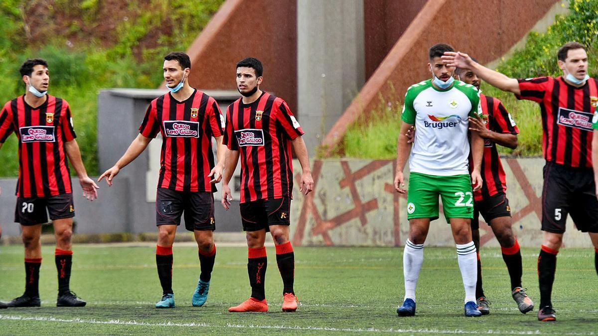 Un partido disputado entre equipos de Tercera División en Santa Brígida.