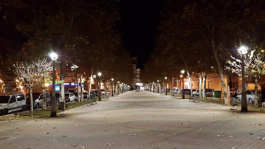 El cambio de luminarias del bulevar Maestro Carrascosa reducirá el consumo eléctrico un 68% en Villena