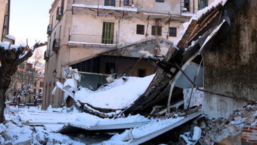 S'enfonsa el Celler d'en Lluís Llach a Porrera per la neu