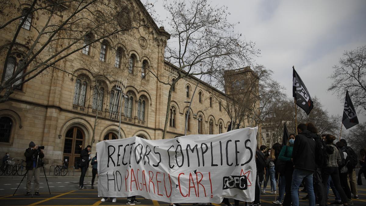 Estudiantes se manifiestan en Lleida.