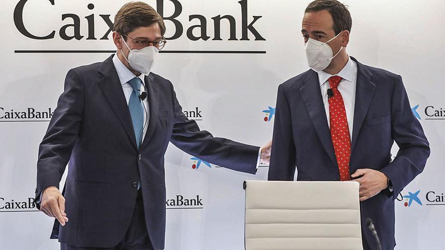 El mayor banco empieza en los cajeros