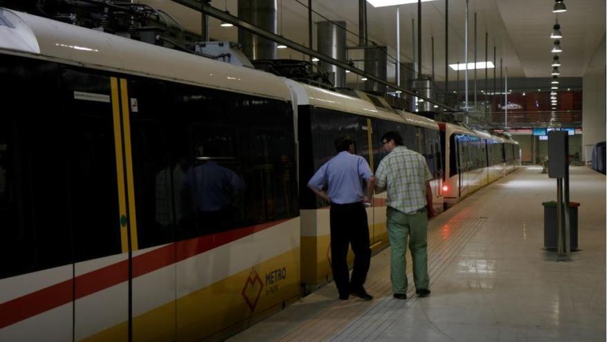 Metro fährt wieder ab Plaça d'Espanya zur Universität