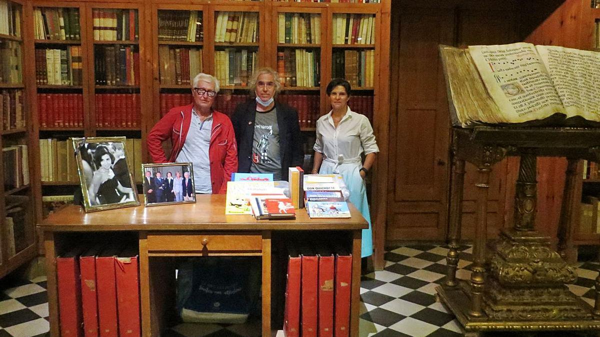 Jean-Antoine Casagran, Firmin Casagran i Inés Padrosa a la Biblioteca de Peralada