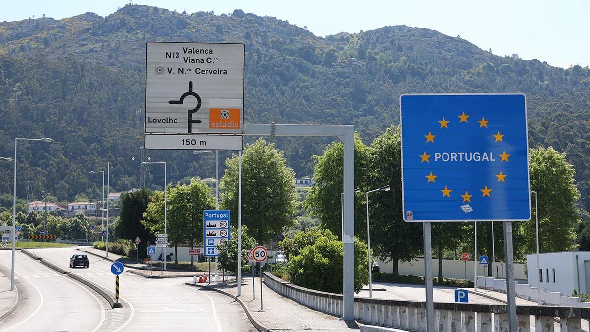 De paseo pero sin aglomeraciones: los gallegos estrenan la reapertura fronteriza con Portugal