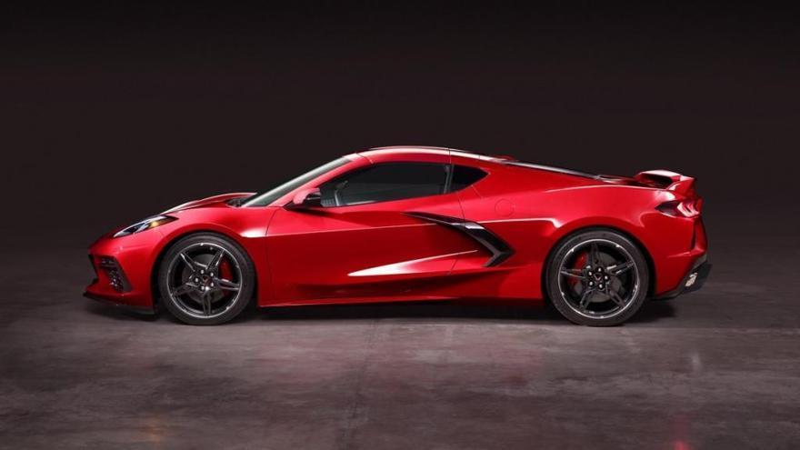 Nuevo Chevrolet Corvette Stingray 2020, el primero con motor central y 495 cv