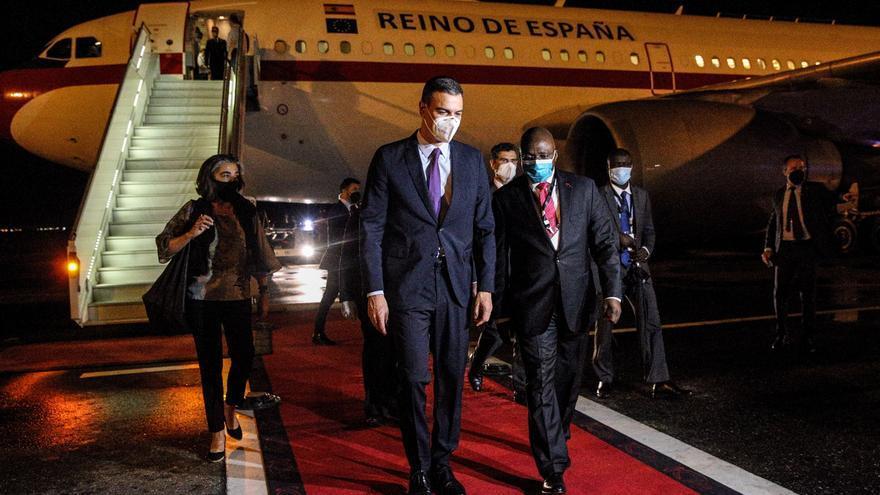 Pedro Sánchez inicia en Angola su mini gira africana