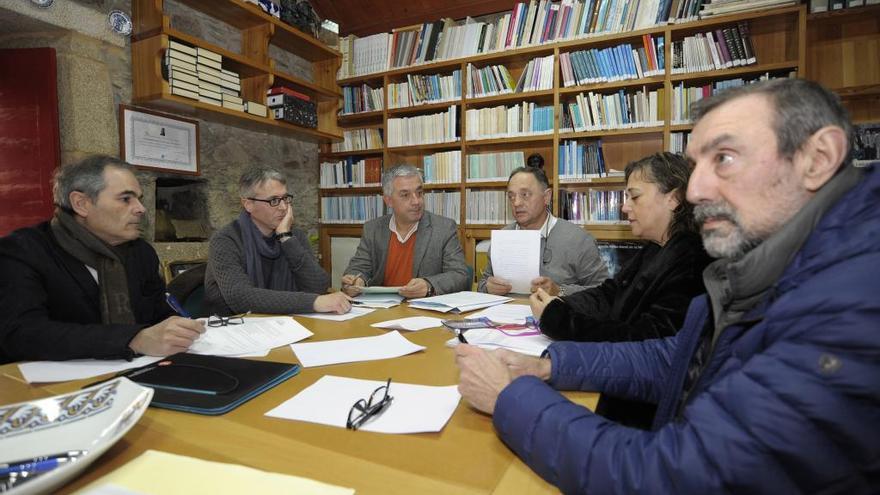 La Fundación Xosé Neira Vilas pospone  a febrero la elección del nuevo presidente