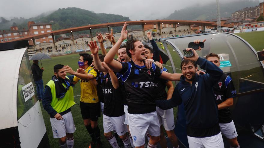 Fútbol: El Luarca y el TSK Roces son nuevos equipos de Tercera División