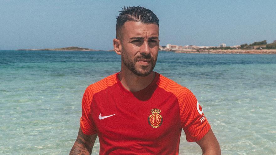 Así es la nueva equipación del Real Mallorca para Primera División