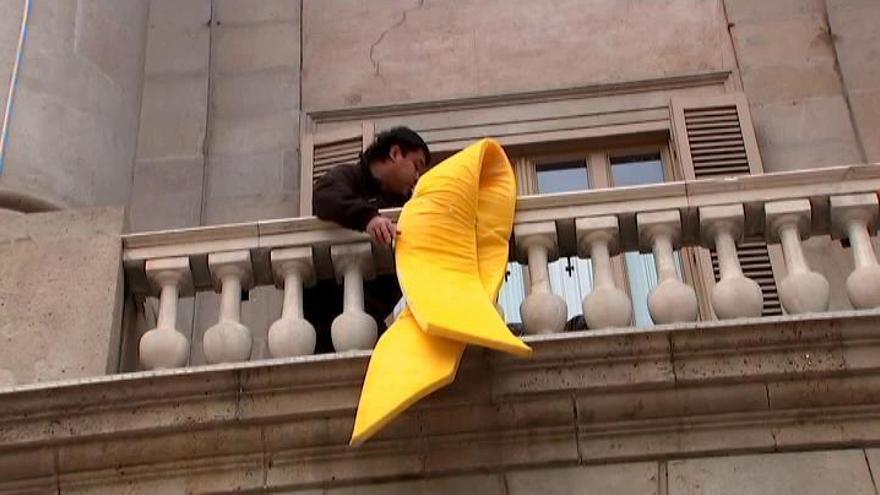 El Ayuntamiento de Barcelona colgará el lazo amarillo