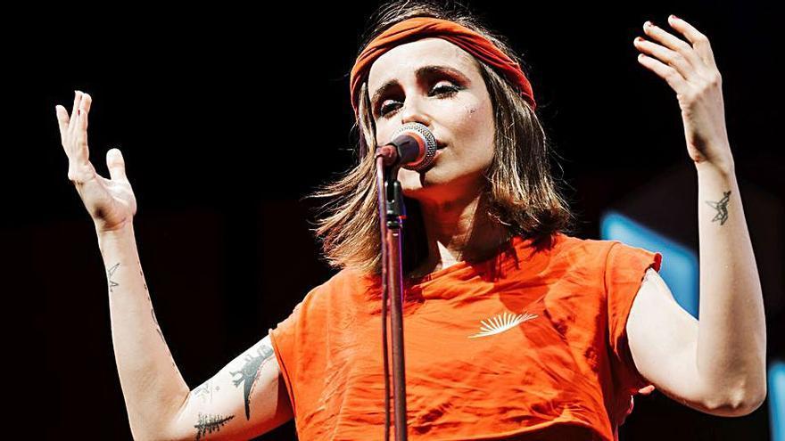 Zahara emociona al público del Mallorca Live Festival con 'Puta', su último trabajo