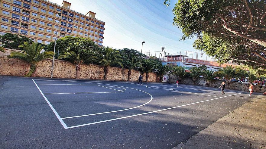 Santa Cruz crea un servicio de vigilancia itinerante en canchas y campos de fútbol