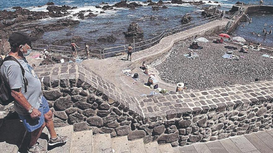 Se prohíbe el baño en la playa de San Telmo a causa de la contaminación fecal