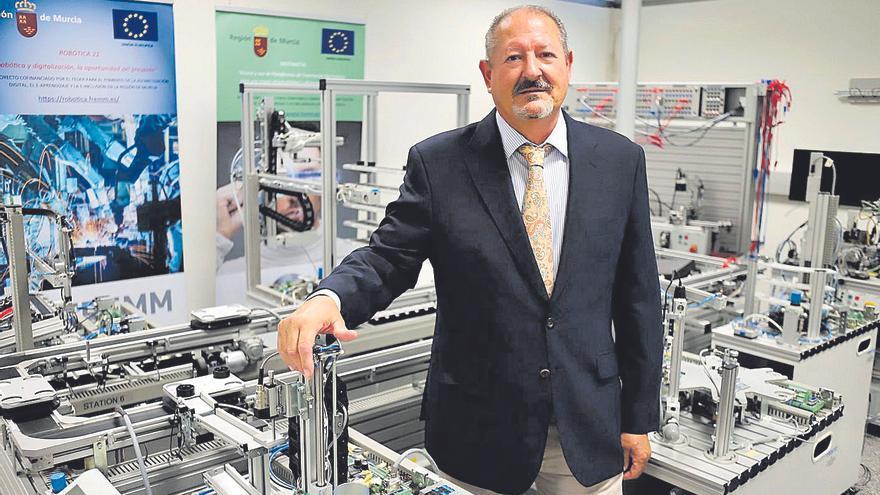 """Francisco Galián: """"Los fabricantes de maquinaria estamos  obligados a implantar la digitalización"""""""
