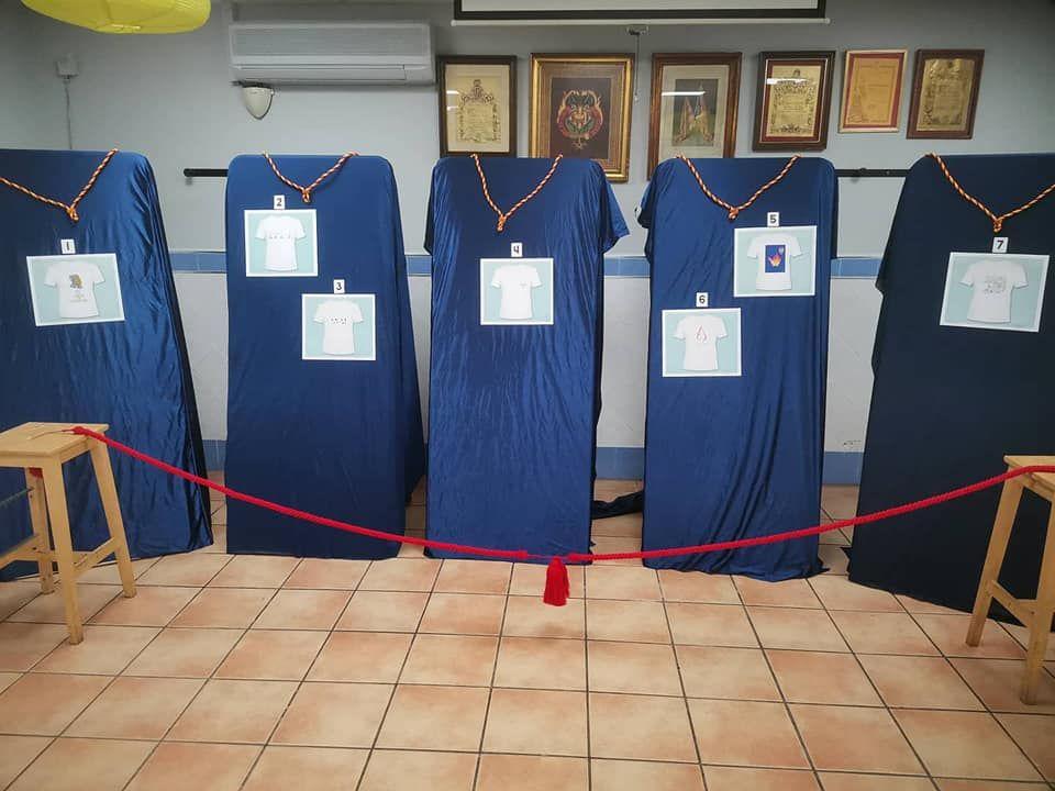 Exposici�n y votaci�n para el dise�o de la camiseta de las Fallas de Septiembre en San Vicente-Amparo Iturbi.jpg