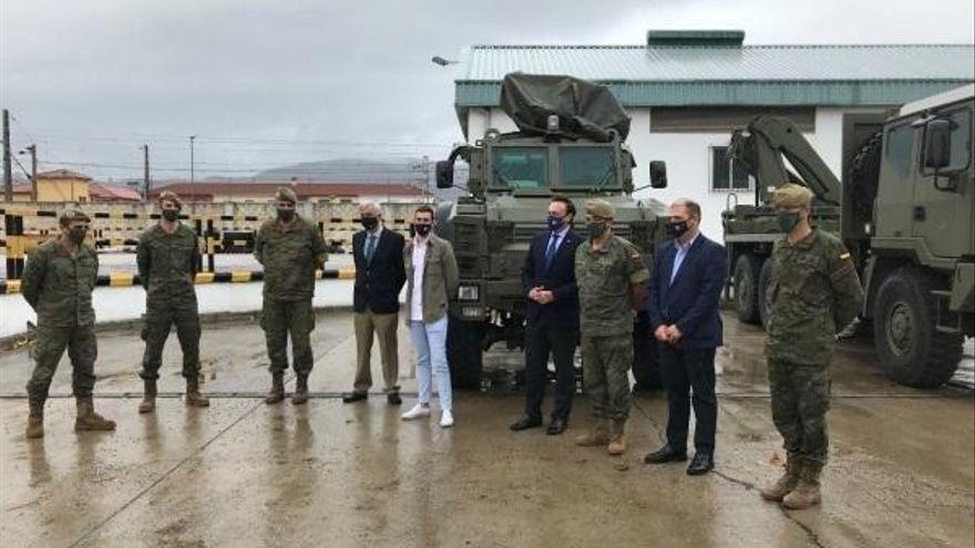El alcalde viaja a Sevilla para avanzar en los convenios de la base logística del Ejército