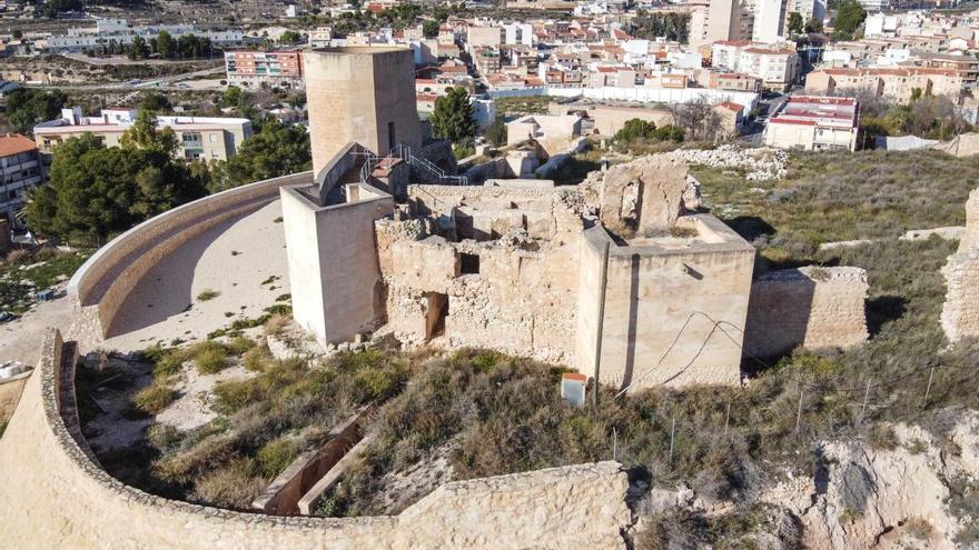 El Ayuntamiento de Elda restaurará la Puerta del Antemural del Castillo