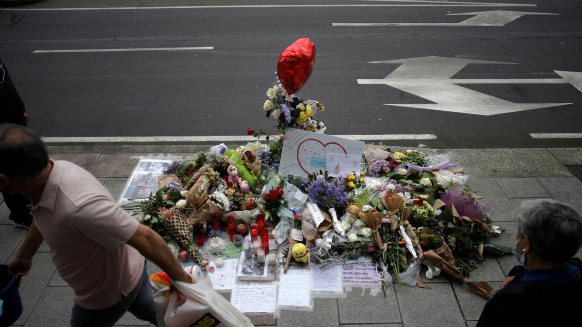 Altar por la muerte de Samuel Luiz.