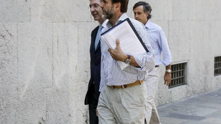 El fiscal pide prisión para los Ruiz Mateos para que no huyan