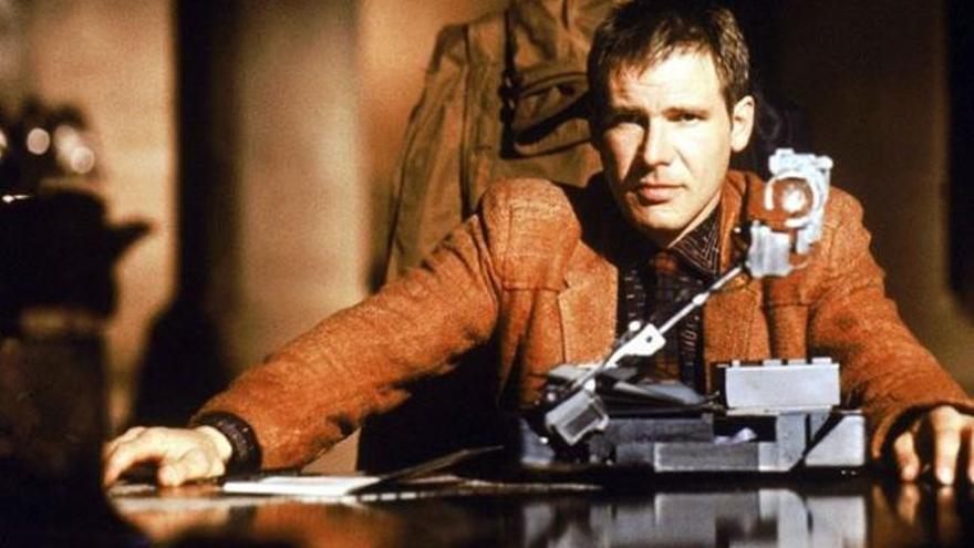 Fotograma de 'Blade Runner', con Harrison Ford.