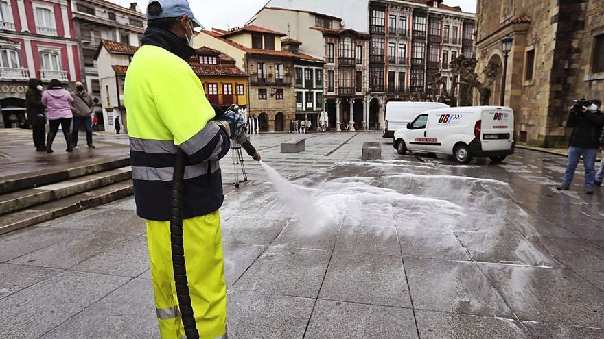 Pulso de gigantes para coger el contrato de limpieza de Avilés: FCC, Onet y Urbaser