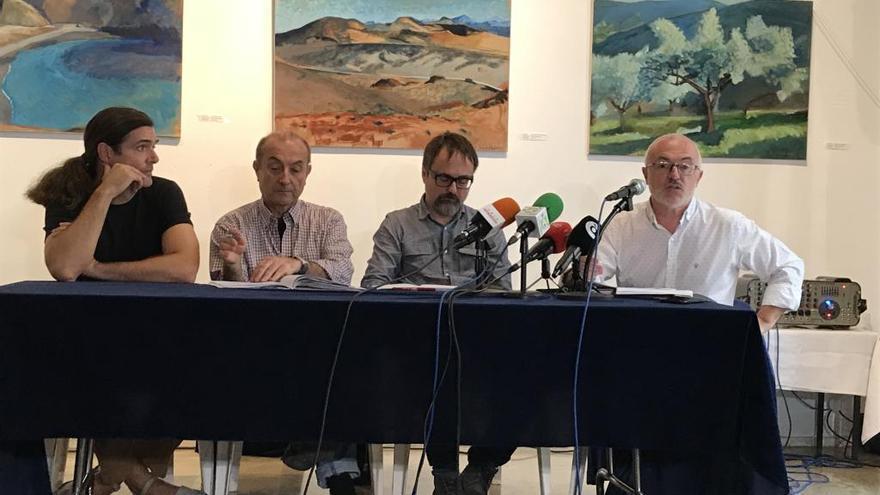 """Ecologistas y vecinos exigen parar la ampliación """"modificada"""" del Puerto"""