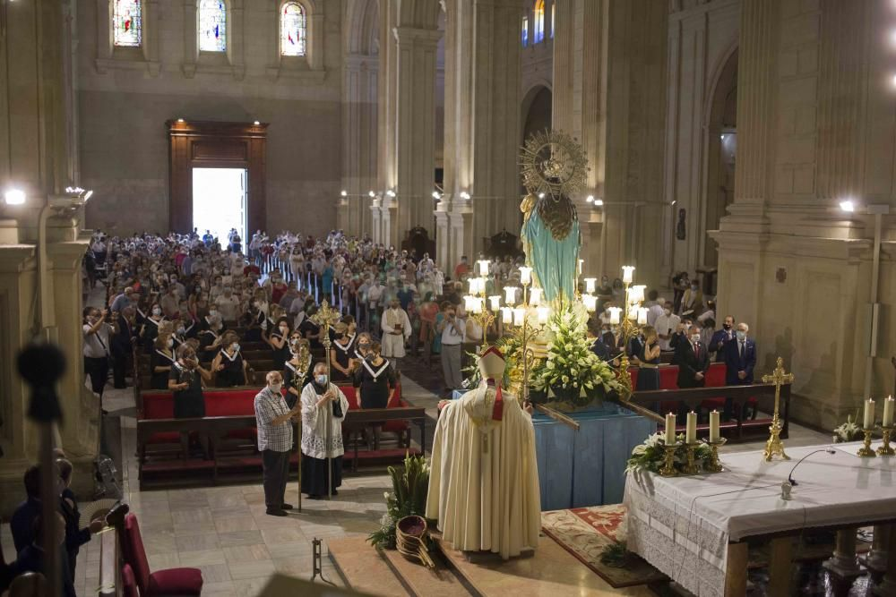 Misa y procesión claustral a la Mare de Déu de la Seu
