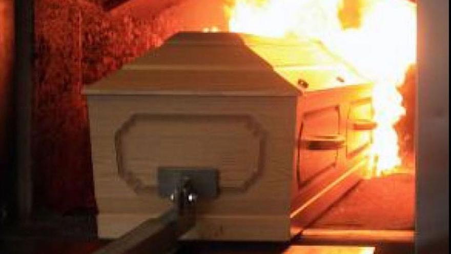 Se salva 'in extremis' de ser incinerada tras 'morir' por la Covid-19