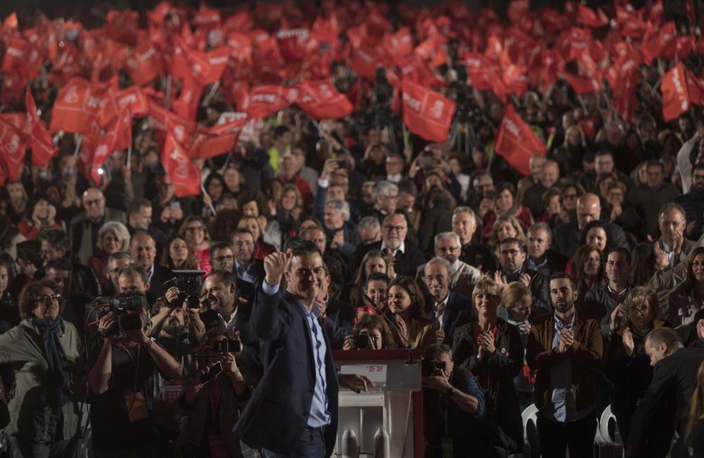Cierre de campaña de Pedro Sánchez junto a Ximo Puig en Valéncia