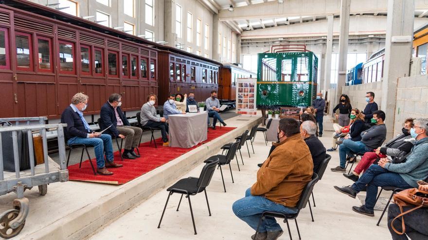Los alcaldes del Llevant celebran los 100 años del tren y exigen su regreso