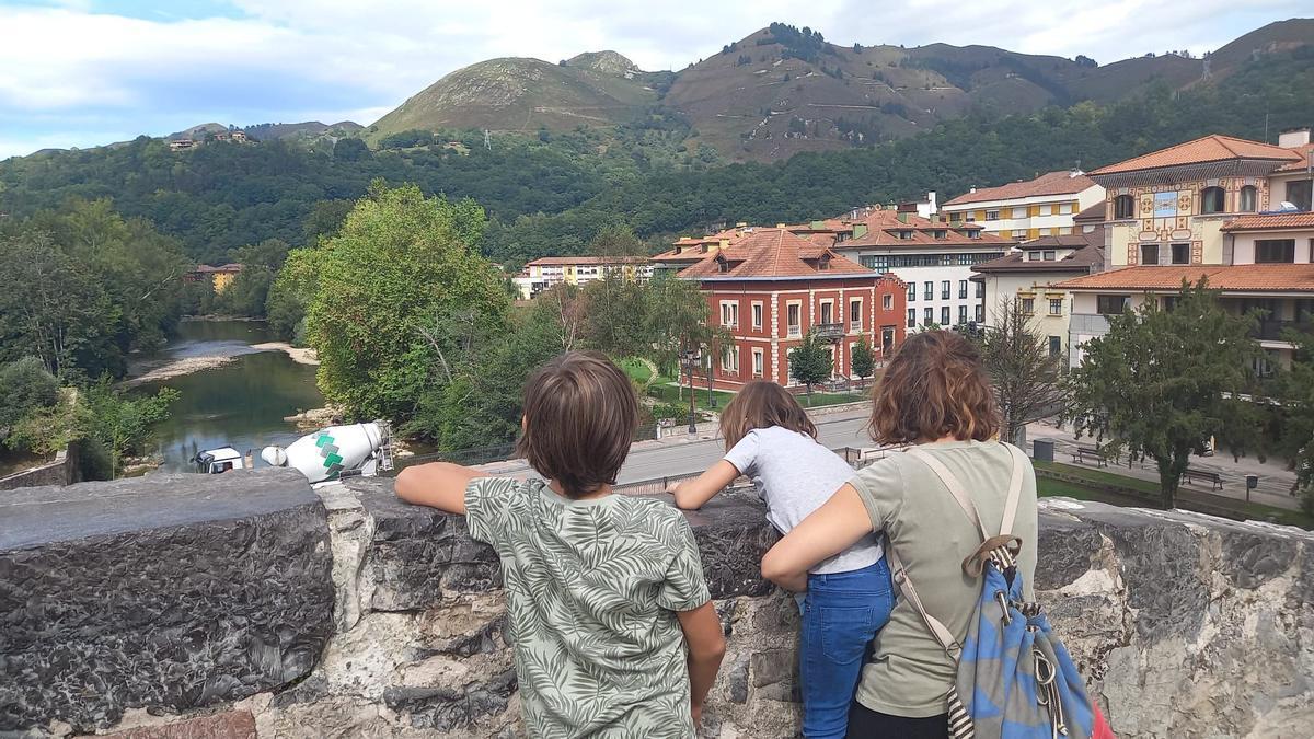 Una familia de turistas