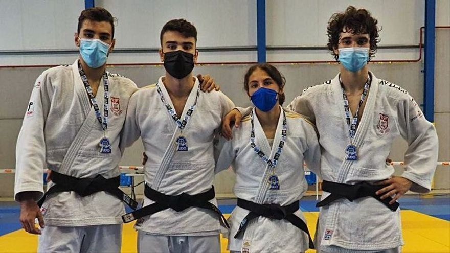 El Judo Avilés, segundo en el Regional junior