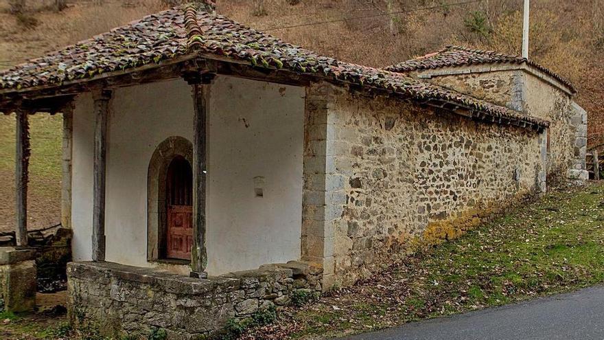 La ermita casina de Ricao, en grave riesgo de desaparecer