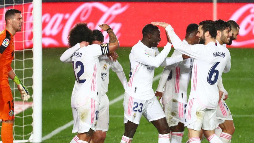 El Madrid aprovecha la debilidad del Getafe y apura sus opciones en la Liga