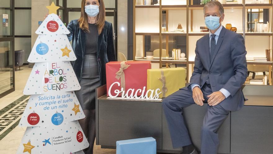 CaixaBank se moviliza para que 25.000 niños y niñas en situación de pobreza tengan el  regalo de Navidad que desean