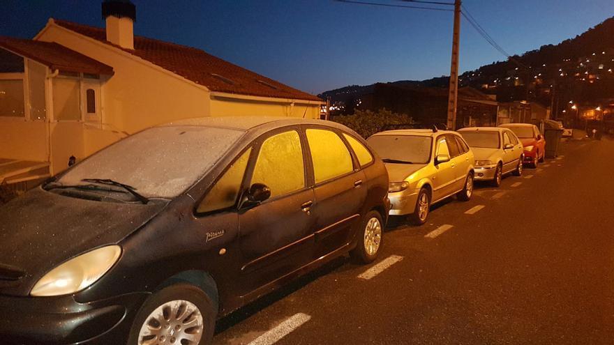Galicia tirita: ¿cómo sacar el hielo de la luna del coche sin destrozarla?