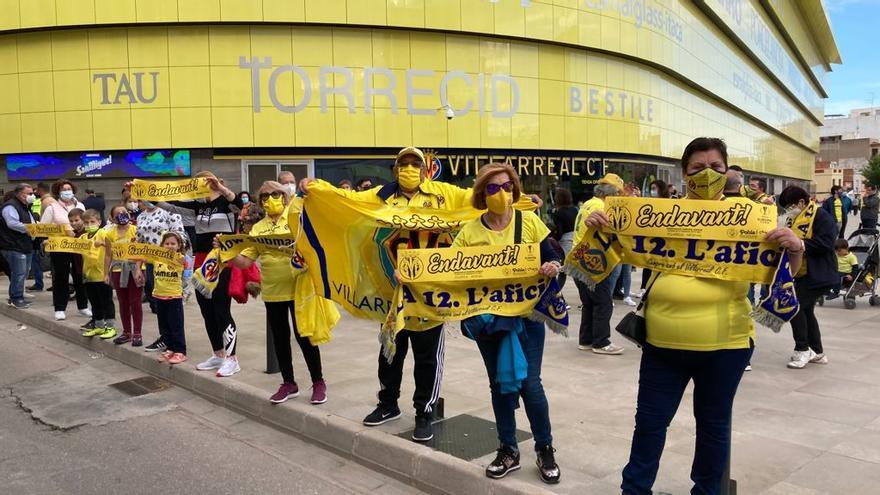 La afición se lanza a las calles a animar al Villarreal CF