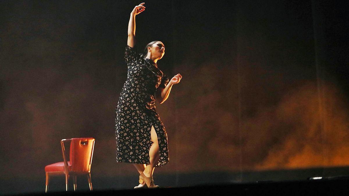 El teatro de la Laboral acogió ayer la danza de Trialogfem Show | JUAN PLAZA