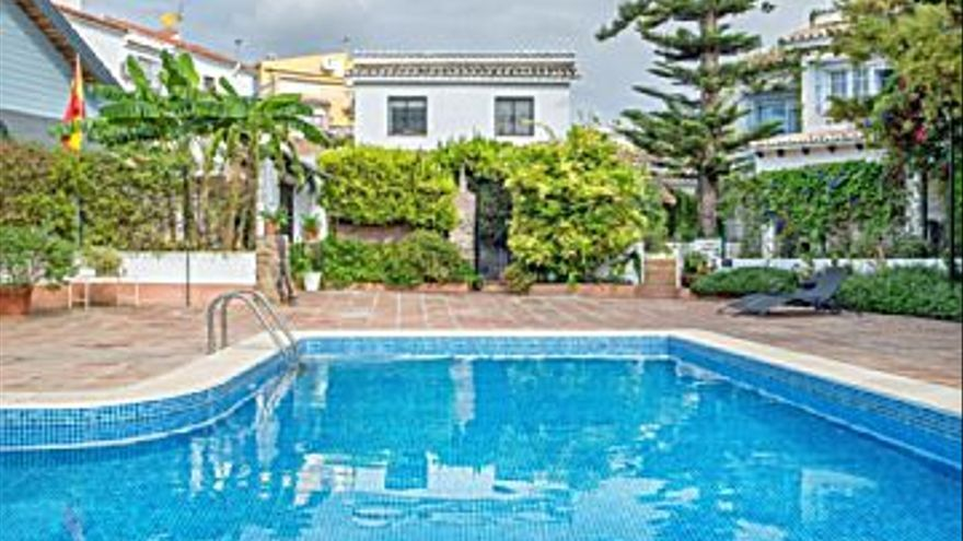 449.000 € Venta de casa en Montemar (Torremolinos) 235 m2, 4 habitaciones, 2 baños, 1.911 €/m2...