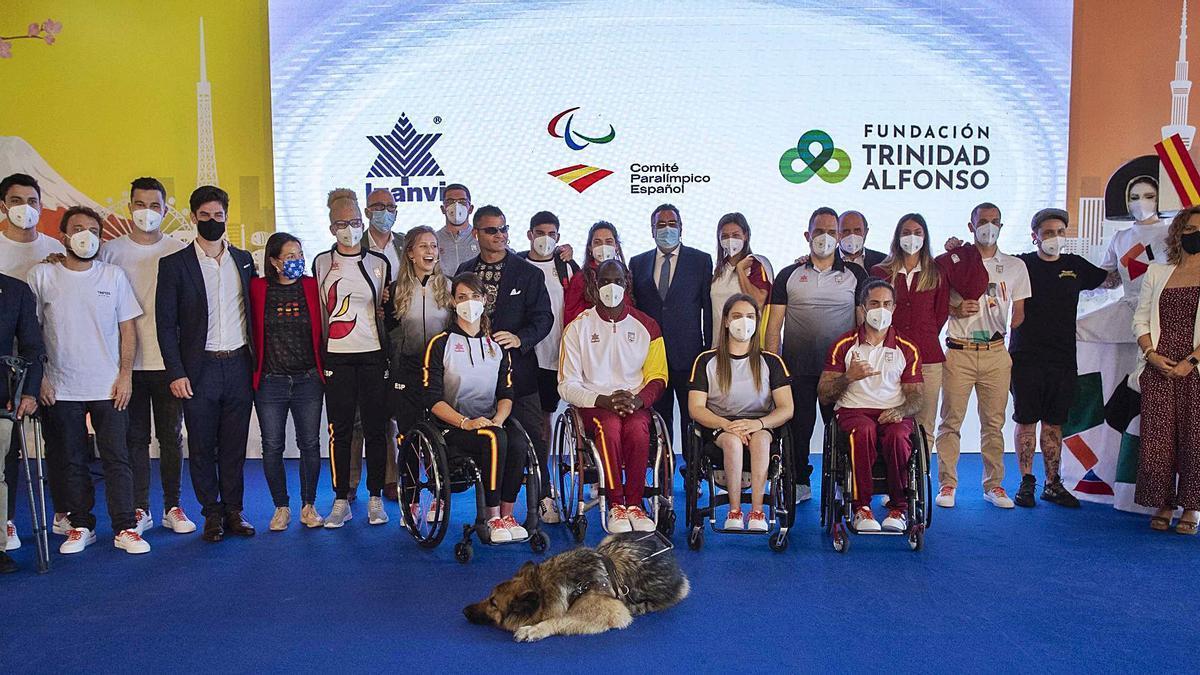 El Equipo Paralímpico  Español toma impulso para  Tokio en València.  j.m.LÓPEZ