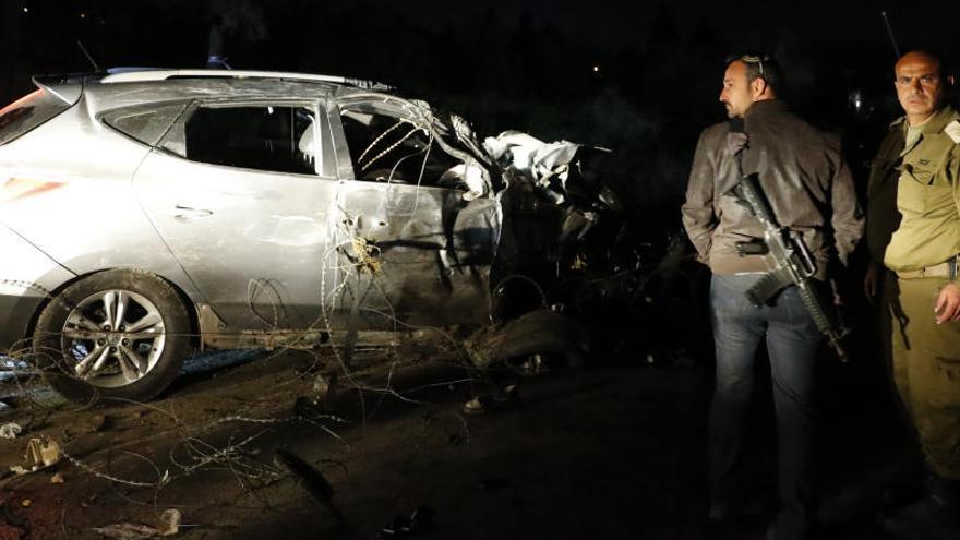 Un palestino atropella con un coche y mata a dos soldados israelíes en Cisjordania