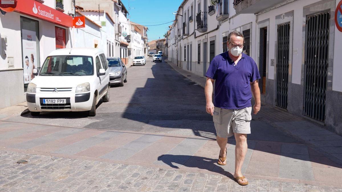 """Francisco Luis Fernández: """"La pandemia sigue avanzando en Belalcázar y nos está golpeando con una gran virulencia"""""""