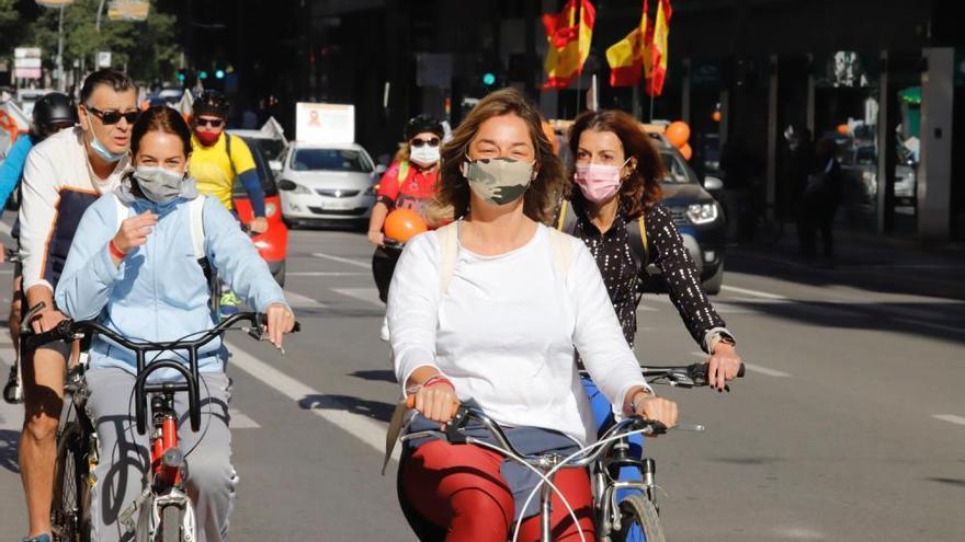 Miles de murcianos protestan en las calles contra la ley Celaá