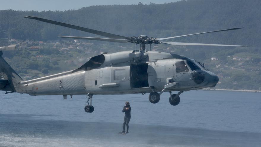 Así de espectacular fue la 'batalla' naval de las Fuerzas Especiales de la Armada en la Ría de Pontevedra