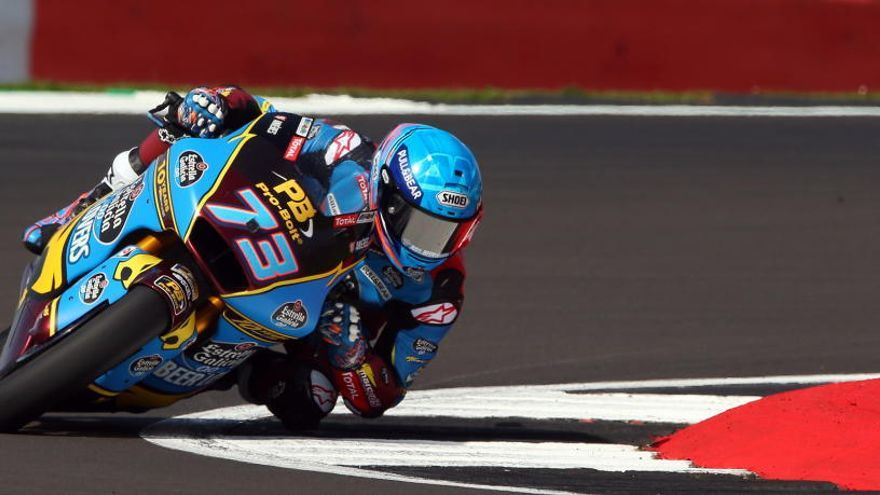 Álex Márquez logra la pole en Moto2.