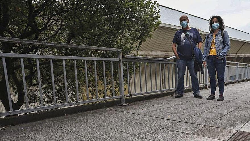 Cambia Avilés urge la renovación de un vallado de la calle Juan Ochoa