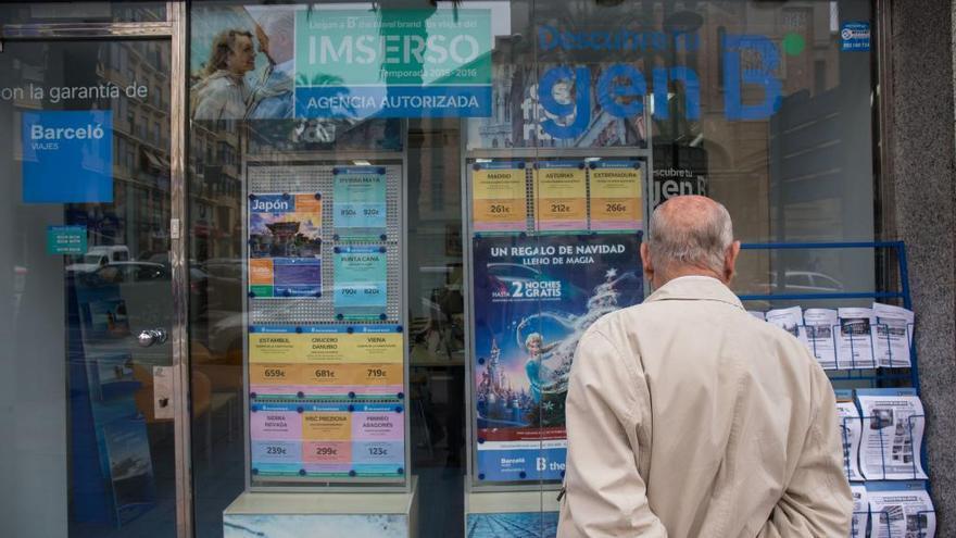 La CNMC pide más competencia en las empresas que ofertan viajes del Imserso